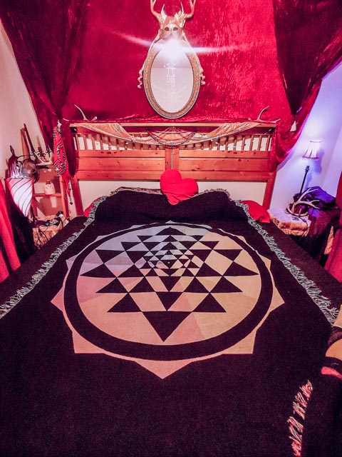 Sri Yantra Cotton Throw Blanket